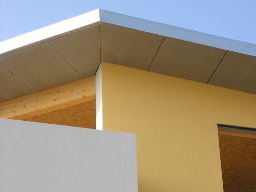 Dachstuhl, verkleidet mit Zementfaserplatten