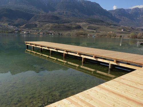 Liegesteg am Kalterer See
