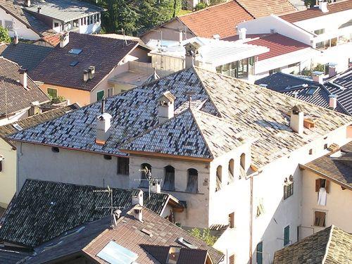 Sanierung Dachstuhl Eindeckung mit Mönch & Nonne