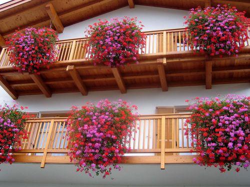 Balkone mit Stäbe